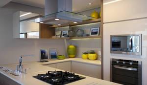 Кухни в . Автор – Amanda Carvalho - arquitetura e interiores
