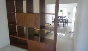 Closets de estilo moderno por jose m zamora ARQ