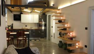 Salas / recibidores de estilo mediterraneo por Ossigeno Architettura