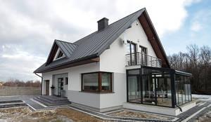 Case in stile in stile Moderno di Biuro Projektów MTM Styl - domywstylu.pl