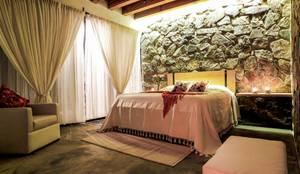 Dormitorios de estilo moderno por Caja de Diseño