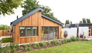 Garages de estilo moderno por Blankstone
