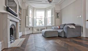 Salones de estilo minimalista de A1 Lofts and Extensions