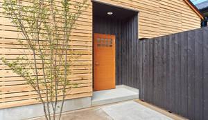บ้านและที่อยู่อาศัย by 君島弘章建築設計事務所