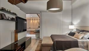 moderne Schlafzimmer von Isabela Canaan Arquitetos e Associados