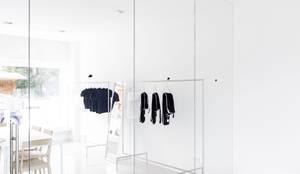 ganzglasgel nder gm railing mit handlauf aus glas por glas marte homify. Black Bedroom Furniture Sets. Home Design Ideas