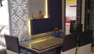 Sala da pranzo in stile in stile Moderno di Alaya D'decor