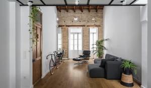 Projekty, nowoczesne Domy zaprojektowane przez ambau taller d´arquitectes