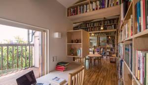 ほんとのいえ: スズケン一級建築士事務所/Suzuken Architectural Design Officeが手掛けた書斎です。,