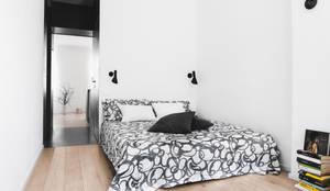 Projekty,  Sypialnia zaprojektowane przez MIROarchitetti