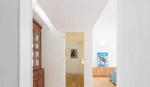 REMODELAÇÃO_APARTAMENTO RESTELO   Lisboa   PT: Salas de estar modernas por OW ARQUITECTOS lda   simplicity works