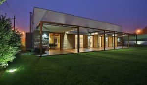 Moradia MC: Habitações  por RDLM Arquitectos associados