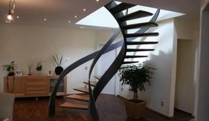Hành lang, sảnh & cầu thang by Nautilus Treppen GmbH&Co.KG