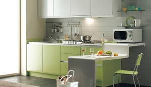 مطبخ تنفيذ DecMore Interiors