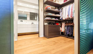 modern Dressing room by Tarimas de Autor