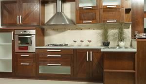 Cocinas de estilo rústico por Sql Amoblamientos de Cocina