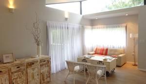 Salas / recibidores de estilo  por ARRILLAGA&PAROLA