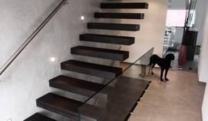 kragarmtreppe karlsruhe por lifestyle homify. Black Bedroom Furniture Sets. Home Design Ideas