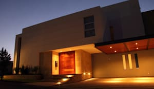 PRIVADA MIRAMAR: Casas de estilo moderno por GRUPO VOLTA