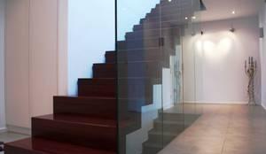 wangentreppe d sseldorf por lifestyle homify. Black Bedroom Furniture Sets. Home Design Ideas