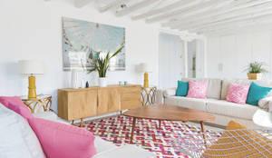 Salon de style de style Moderne par StudioBMK
