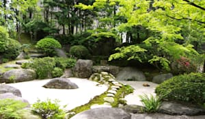 苔庭: 庭園空間ラボ teienkuukan Laboが手掛けた庭です。