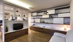 Salas de estilo moderno por Elia Falaschi Photographer