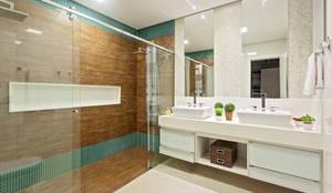 Baños de estilo  por Laura Santos Design