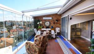 Terrazas de estilo  por İndeko İç Mimari ve Tasarım