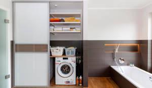 Banheiros modernos por Elfa Deutschland GmbH