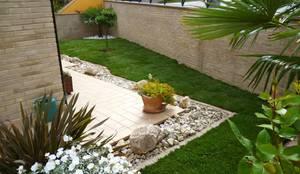 Jardines de estilo moderno por Studio Botanico Ventrone Dr. Fulvio