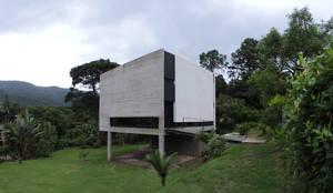 Entorno.: Casas de estilo  por jose m zamora ARQ