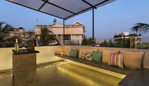 JANKI KUTIR APARTMENT:  Terrace by The design house