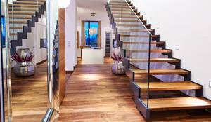 Haus E:  Flur & Diele von ZHAC / Zweering Helmus Architektur+Consulting