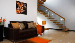 moderner Flur, Diele & Treppenhaus von Savio and Rupa Interior Concepts