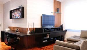 Salas multimedia de estilo moderno por studio VIVADESIGN POR FLAVIA PORTELA ARQUITETURA + INTERIORES