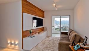 Mendonça Pinheiro Interiores: modern tarz Oturma Odası
