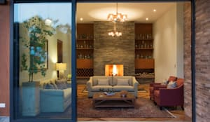 El centro de la casa: Salas de estilo clásico por DLPS Arquitectos