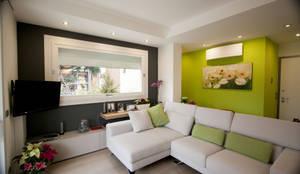 HAUS - Home & ambient unique solutions: modern tarz Oturma Odası