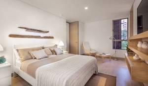 : Habitaciones de estilo moderno por Ambientes Visuales S.A.S
