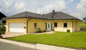 Doppelgarage modern pultdach  Albert-Haus Musterhaus Mannheim: Stadvilla mit Erker und Walmdach ...