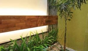 Jardines de estilo  por Ansari Architects,