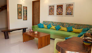 Bungalow in Bhuj: eclectic Living room by Design Kkarma (India)
