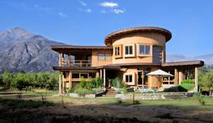 CASA CARACOL: Casas de estilo  por ALIWEN arquitectura & construcción sustentable
