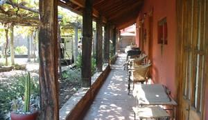 Entrada: Casas unifamiliares de estilo  por ALIWEN arquitectura & construcción sustentable