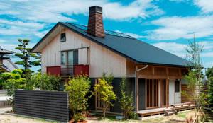 Casas de estilo asiático por AMI ENVIRONMENT DESIGN/アミ環境デザイン