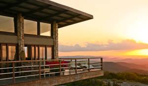 Terrazas de estilo  por Duo Arquitetura