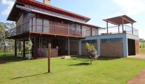 Residência G.S: Casas rústicas por Zani.arquitetura