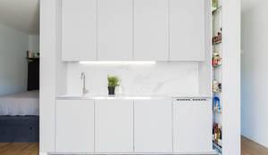 minimalistic Kitchen by atelier DiTO