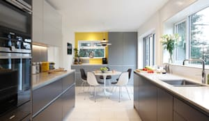 Contemporary kitchen diner in Essex residence: modern Kitchen by Paul Langston Interiors